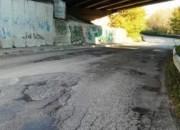 Il Partito Comunista denuncia il degrado delle strade che portano all'Università di Teramo