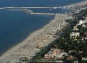 Giulianova. Antiabusivismo: operazione sul litorale e durante il mercato. 8 persone identificate e quasi 200 articoli sequestrati