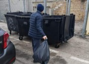 Giulianova: sorpreso a buttare rifiuti nei cassonetti del porto